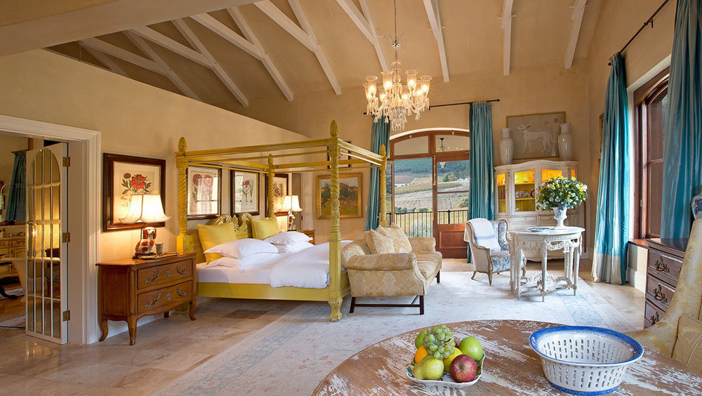 La-Residence_Superior-Suite.jpg