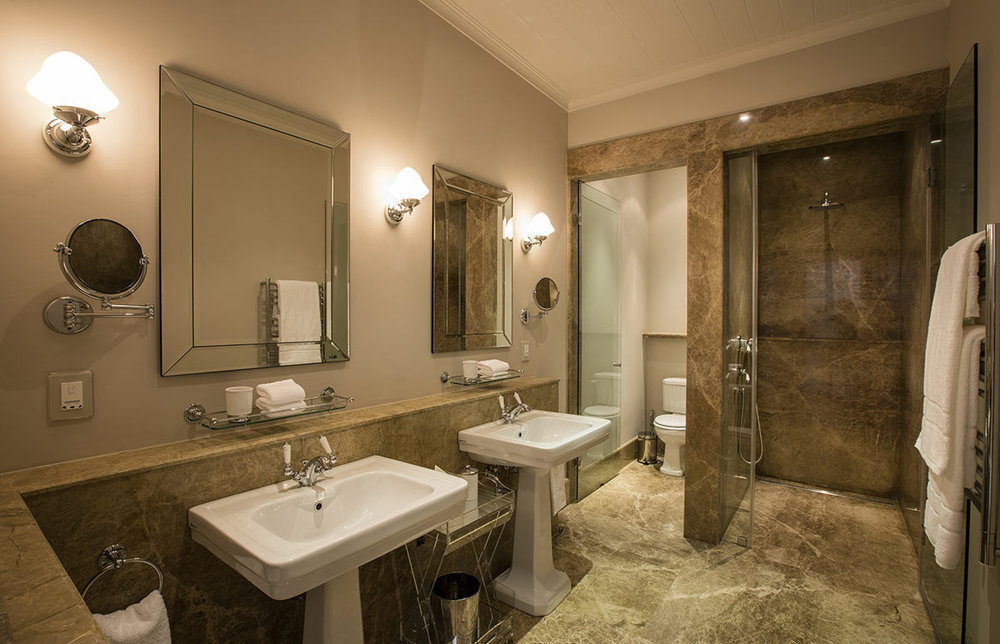 Leeu-Estates_Studio-Room-Bathroom.jpg