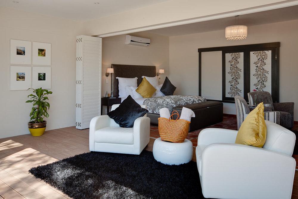 Majeka-House_Poolside-Suite-Lounge.jpg