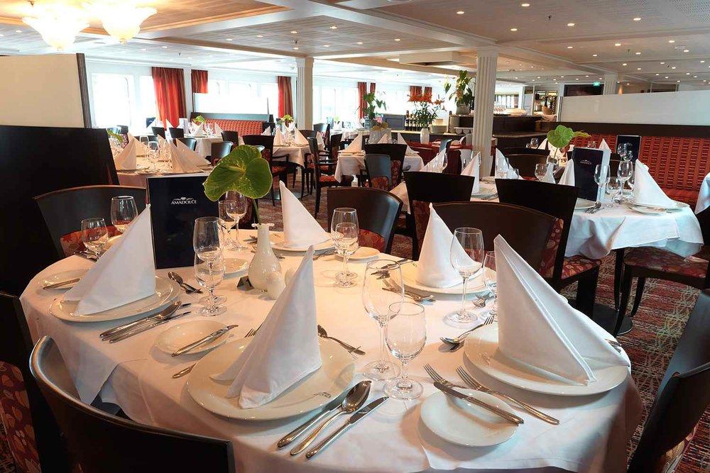 ship_10_mainrestaurant_gallery.jpg