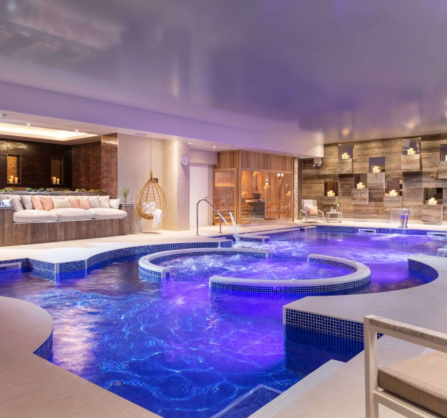 Hydrotherapy Pool | Relax and recharge - The spa is home to the biggest hydrotheropy pool in the south-west of England, producing the ideal conditions to relax and re-energise. The purpose made stations produce targeted soothing to muscle groups to soothe all the aches and pains.