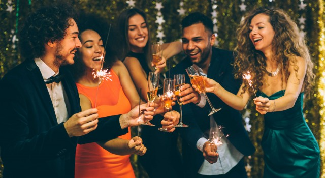 New Years Break 2019 | From £319pp - Arrive on New Year's Eve and take a 2 night near years break, from £319pp OR Arrive on 30th December and take a 3 night near years break, from £379pp. Whats Included:• Stay in our Classic King/Twin;• Breakfast and dinner each day;• Celebratory Gourmet Gala Dinner;• New Year's Eve Entertainment.