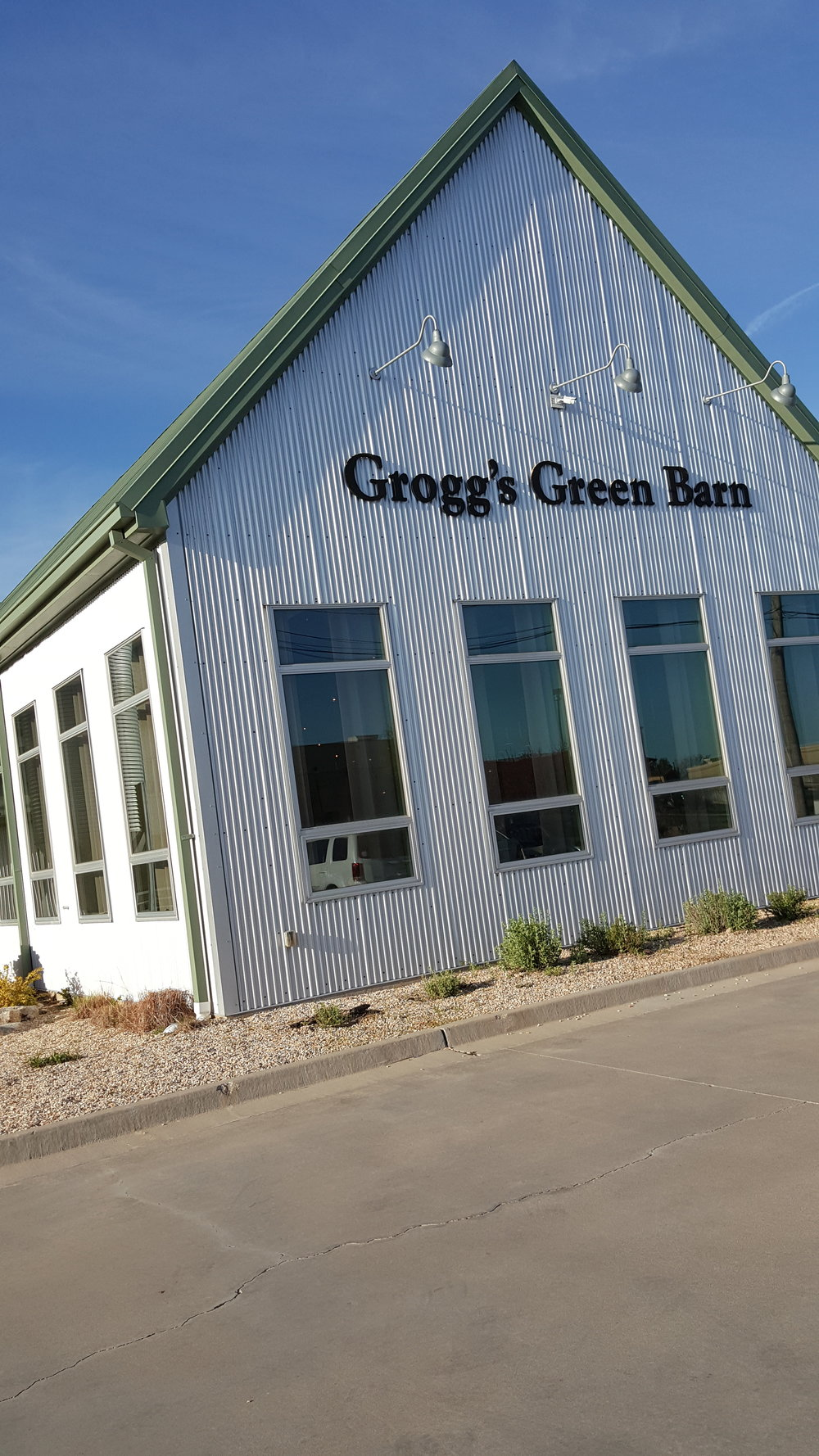 - The Reserve at Grogg's Green Barn hosts dinners on Friday and Saturday evenings throughout the growing season.