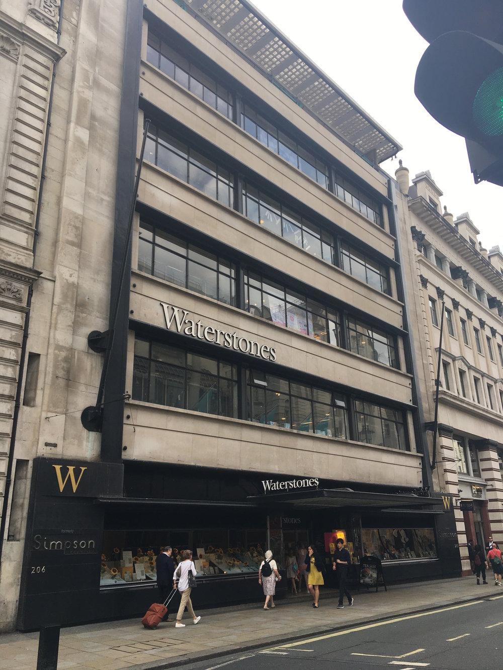 waterstones picadilly.jpg