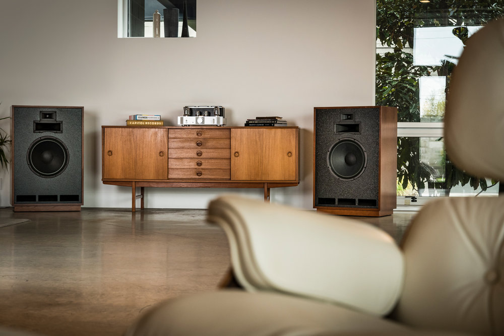 Houston-Audio_Klipsch_Heritage_Classic_Cornwall_lifestyle18.jpg
