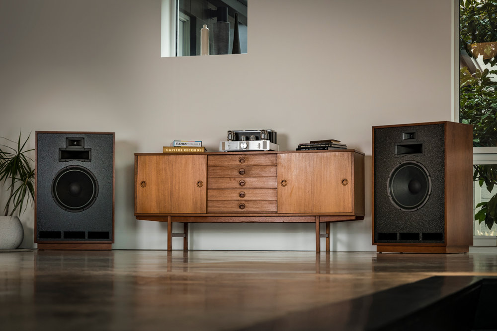 Houston-Audio_Klipsch_Heritage_Classic_Cornwall_lifestyle19.jpg