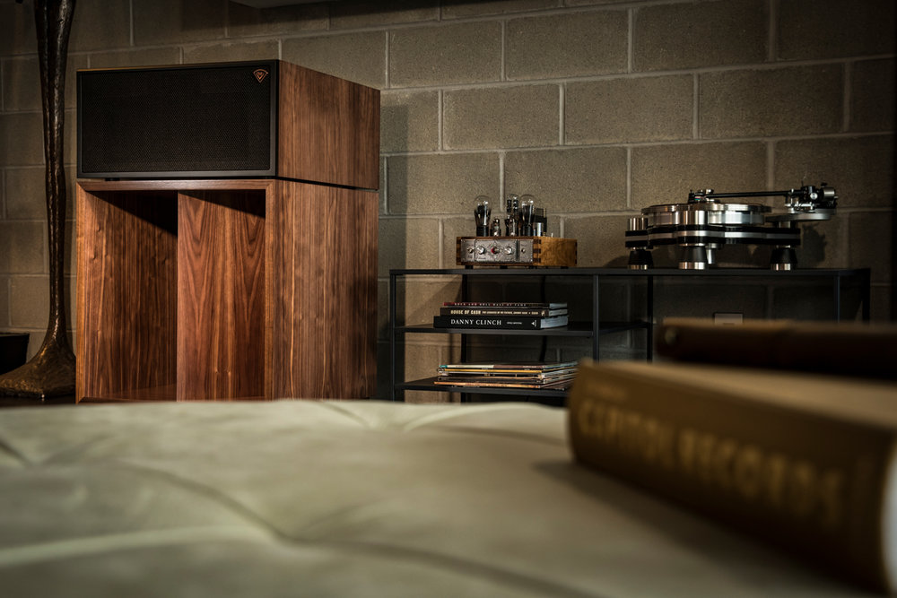 Houston-Audio_Klipsch_Heritage_Classic_LaScala_lifestyle8.jpg