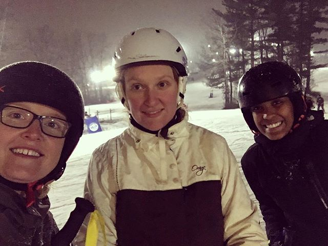 Kerfoot Lab takes to the slopes! ❄️⛷