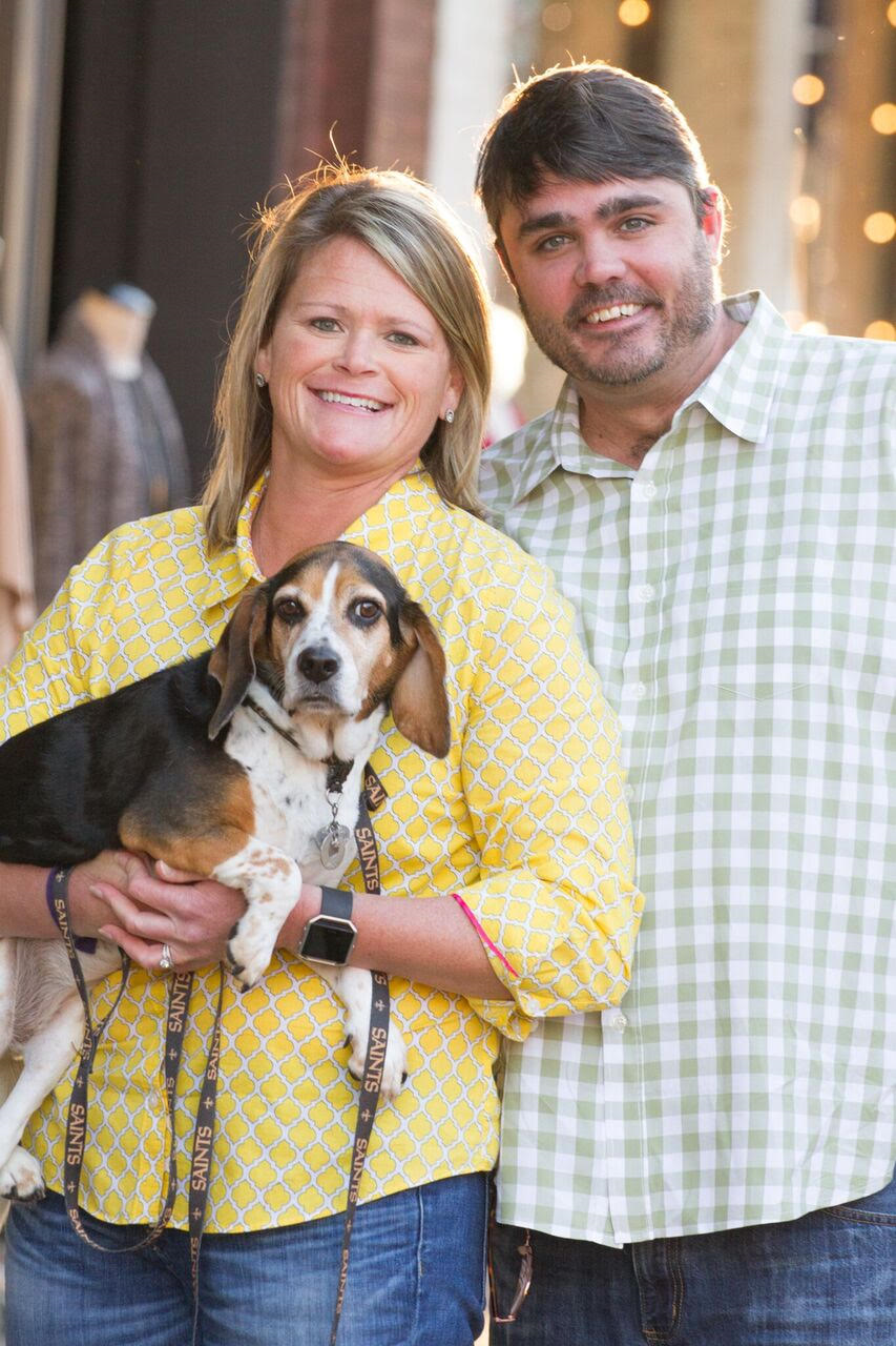 Brown with her husband, Jason, and beagle, Nola.