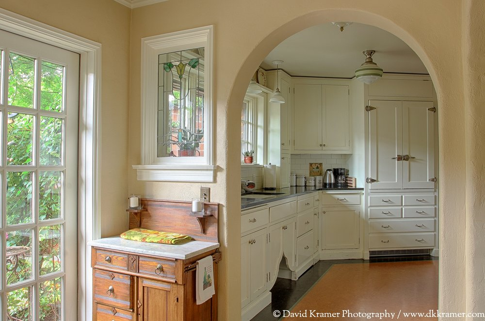 10 LNA-BrickHouse-Kitchen1-DKPhoto.jpg