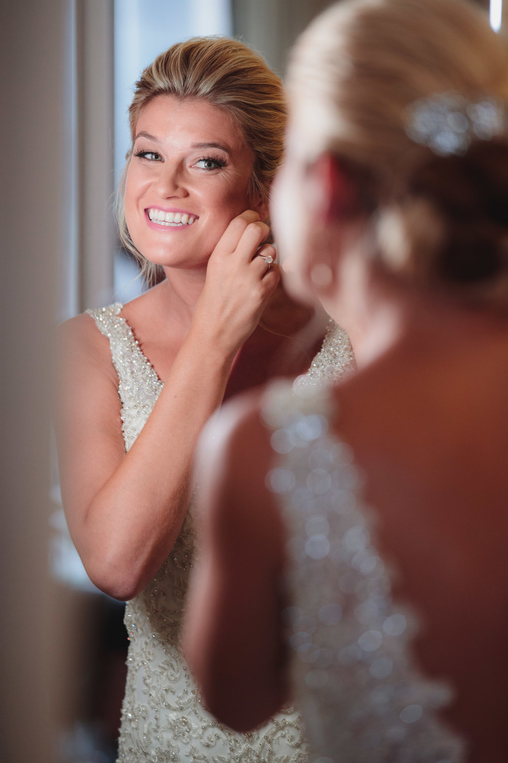 Bride Poses - Columbus Wedding Photographers