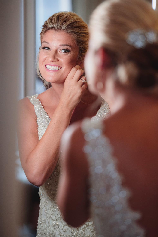 Bride Poses - Columbus Wedding Photographers