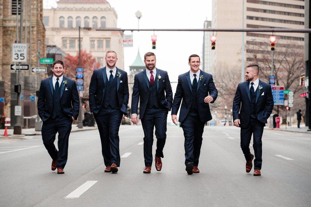 Awesome groomsmen photos - Columbus wedding photographer
