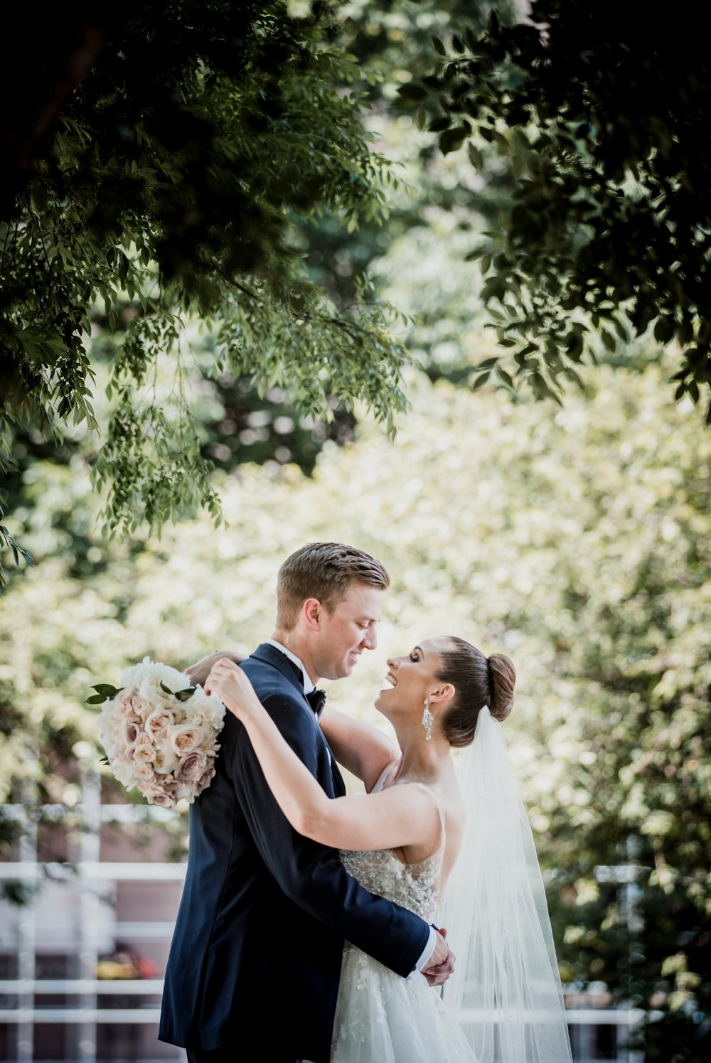 Columbus Wedding Photographer - Ohio Statehouse Wedding Photos
