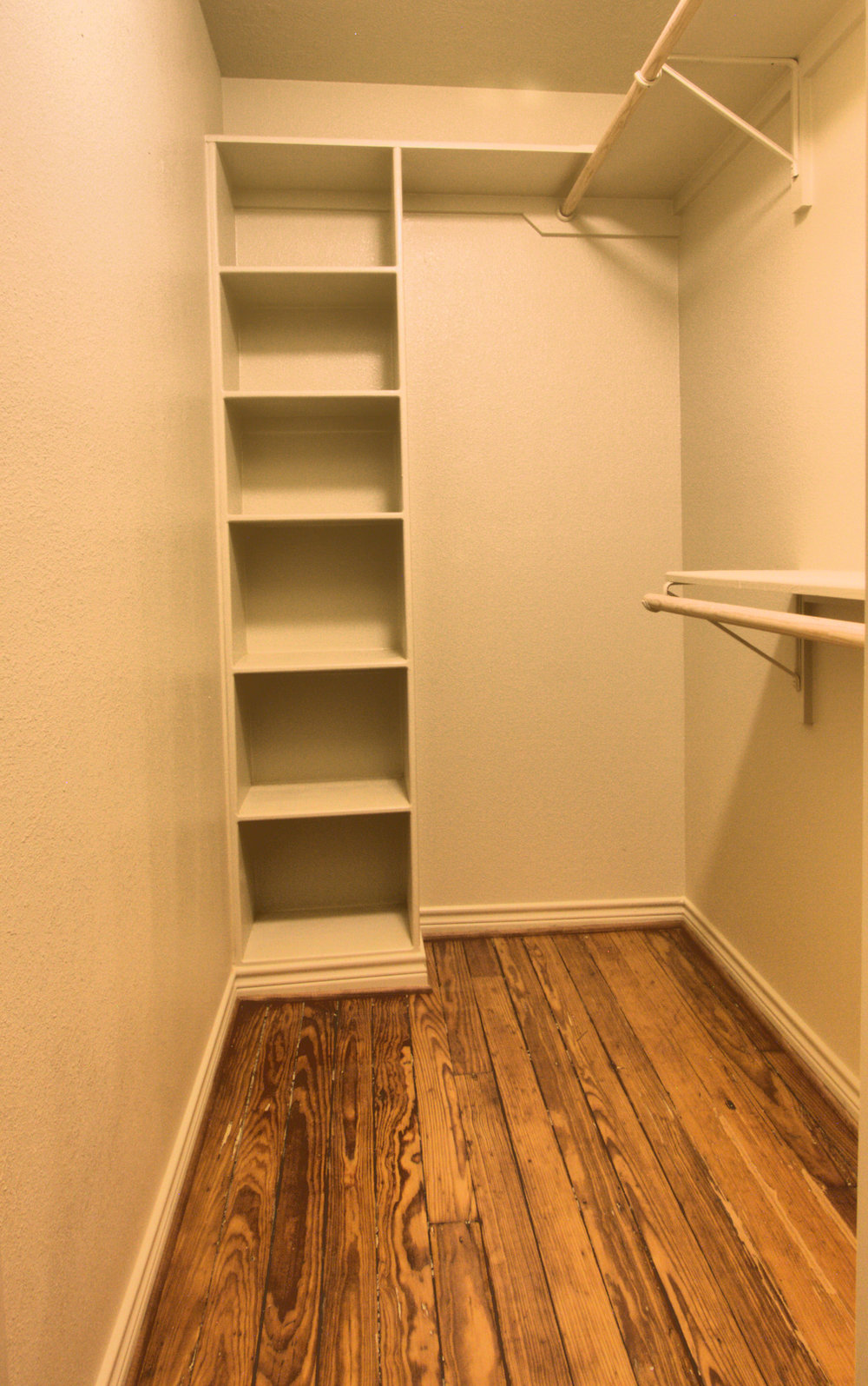 6 Perry Lofts Closet photo 6 11x22 300dpi.jpg