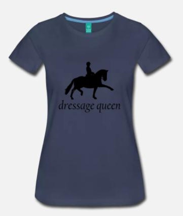 Your favorite long sleeve tees have made the summer swap! Say hello to our Dressage Queen short sleeve tee. This simple tee is the perfect addition to your wardrobe. It comes in a long length (just in case you want to tuck it into those amazing breeches), several colors, and the material is ohhhsosoft. You'll love this one just as much as you love your long sleeve tee (if not more)! Available today! #stall17summer  #stall17 #stall17equine #dressagequeen #dressage #dressagehorse #dressagetee #tee #tshirt #horses #riding #equestrian #equine #ridinglesson #dressurpferd #dressur #equestrianlife #pferdesport