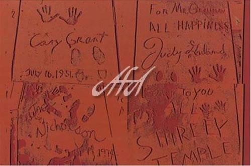 Andy_Warhol_AW325_sidewalk.jpg