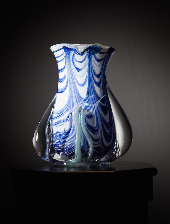 Novaro_ Ribbon tulip Vase watermark lores.jpg