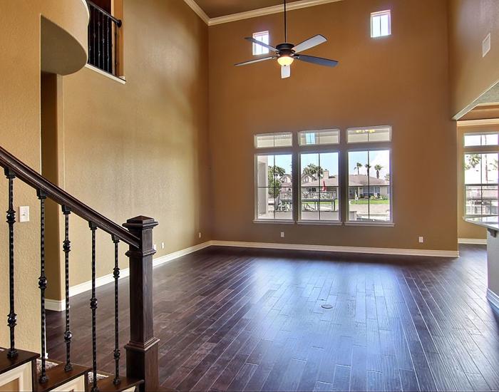Living Area (3).jpg