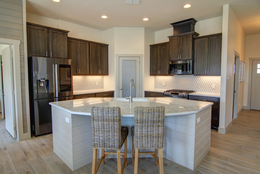 Kitchen (6).jpg