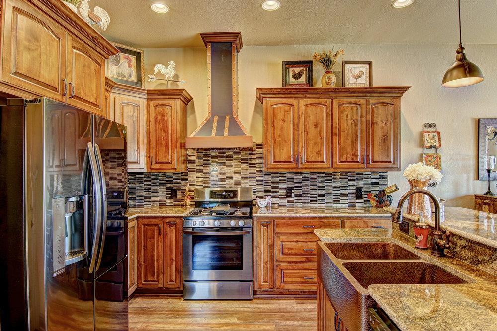 15301 Key Largo Kitchen 5.jpg