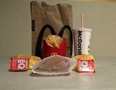 2017_10_burgercrack-thumb-640xauto-1015086.jpg