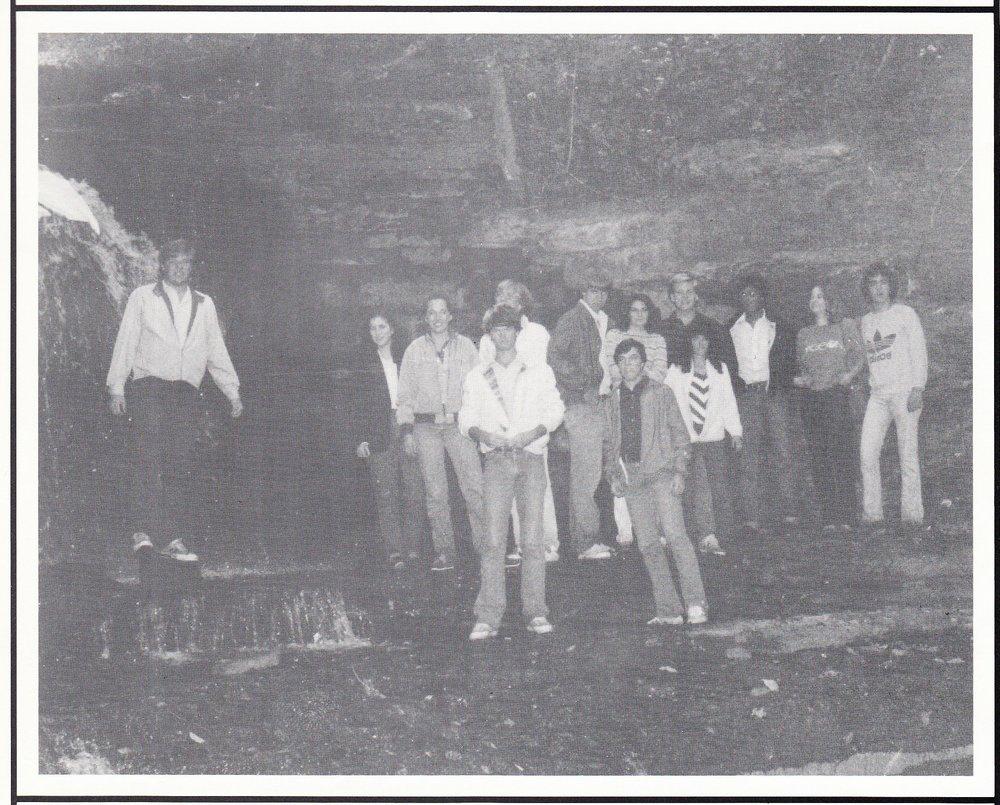 seniors+1982.jpg