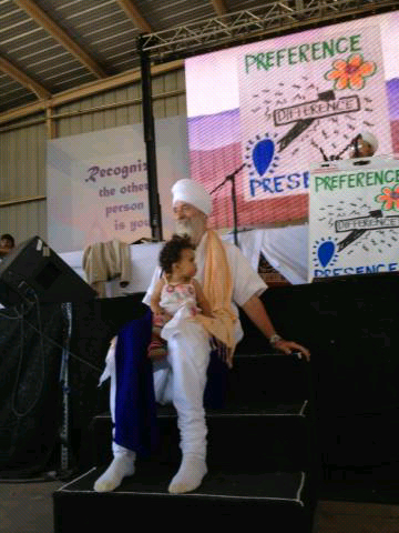 Guru-Singh-Teaching-at-Solstice_2013-06-30.jpg