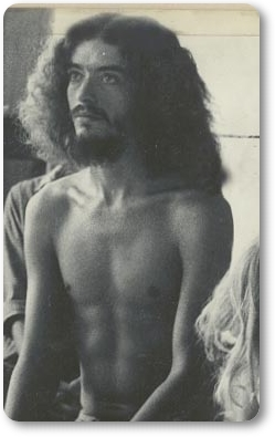Gerry-Pond-at-first-Yogi-Bhajan-class-Los-Angeles-January-10-1969.jpg