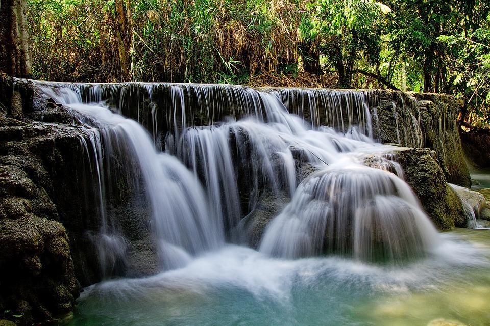kuang-si-falls-463925_960_720.jpg