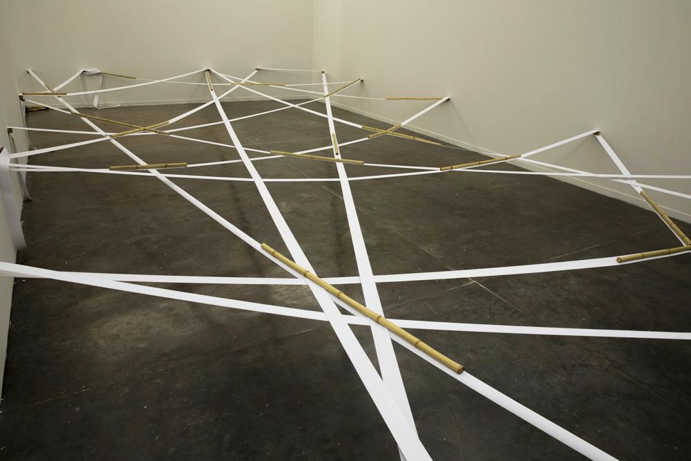 Spatial Discrepancy , 1976/2017 界差 ( Kaisa ) Elastic fabric, bamboo Dimensions variable Installation view, Japan House at SP-Arte, Bienal Pavilion, São Paulo, 2017 Photo: Carol Quintanilha