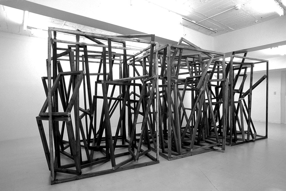 Dispersed Combination , 2004 散合体 ( Sangōtai ) Wood 230 x 526 x 228 cm Installation view, Tokyo Gallery, Tokyo, 2004 Courtesy Tokyo Gallery + BTAP