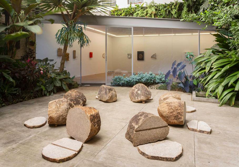 Kishio Suga, installation view at Mendes Wood DM, São Paulo, 2018
