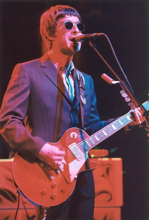 Oasis 2000.jpg