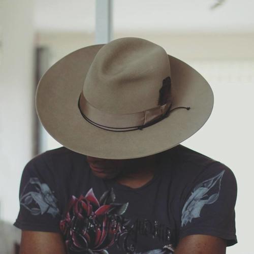 hatt.jpg