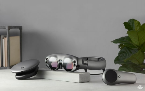 Magic Leap One's Lightpack (left), Lightwear (center) and Control (right) Magic Leap.jpg