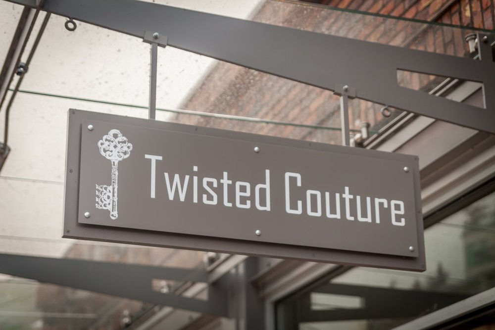 TWISTED COUTURE
