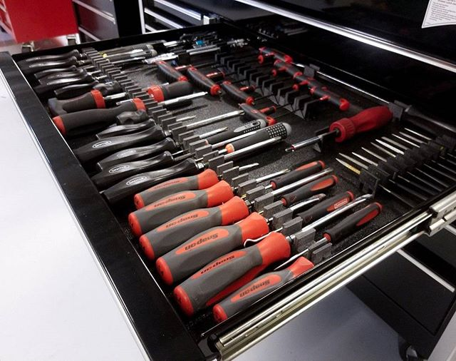 The Screwdriver widget.  Add your email to www.toolboxwidget.com for updates & discounts.  The modular tool storage system with magnets.  Widget versions for Wrenches, Screwdrivers, pliers, Sockets and more!  Coming Soon!!! #ToolBoxWidget #Veteranownedbusiness #veteranbusiness #snapon #snapontools #matco #matcotools #gearwrench #craftsmantools #dewalttools #milwaukeetools #wrenchwednesday #toolboxtuesday #wrenches #sockets #pliers #toolbox #topdrawertuesday #dieseltech #aircraftmaintenance #toolorganization #automechanic #Tools #toolsofthetrade #Mechanic #Garage #Toolporn #Lowes #HomeDepot #AdvanceAutoParts