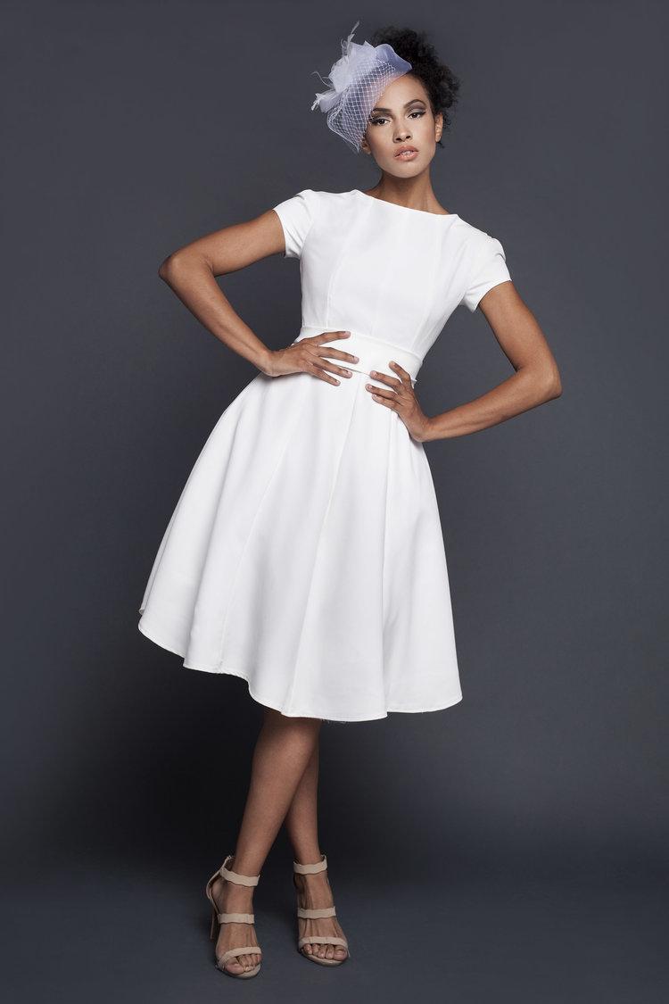 WHITE BEAUTY DRESS -