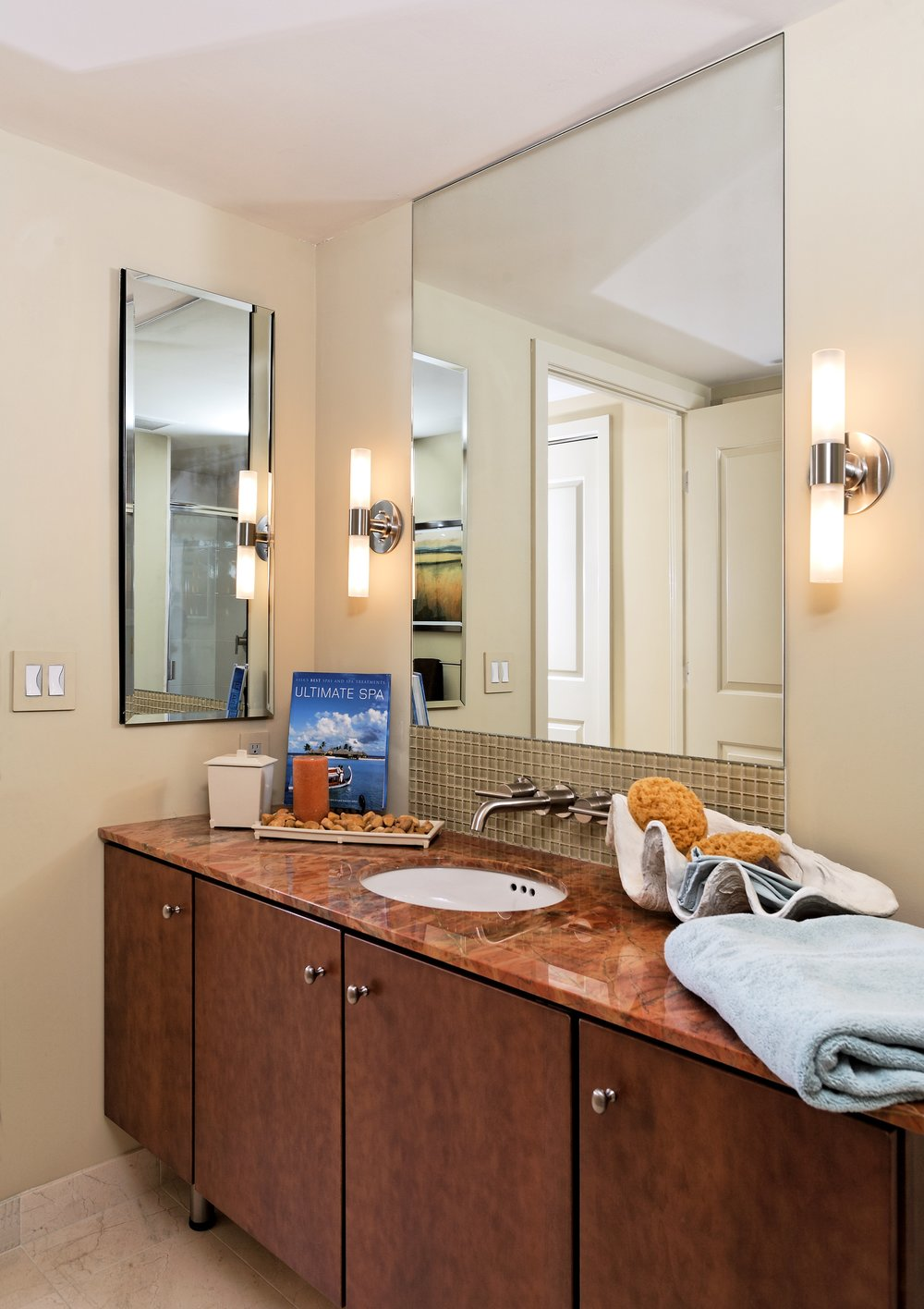 the rooms-bathroom.jpg