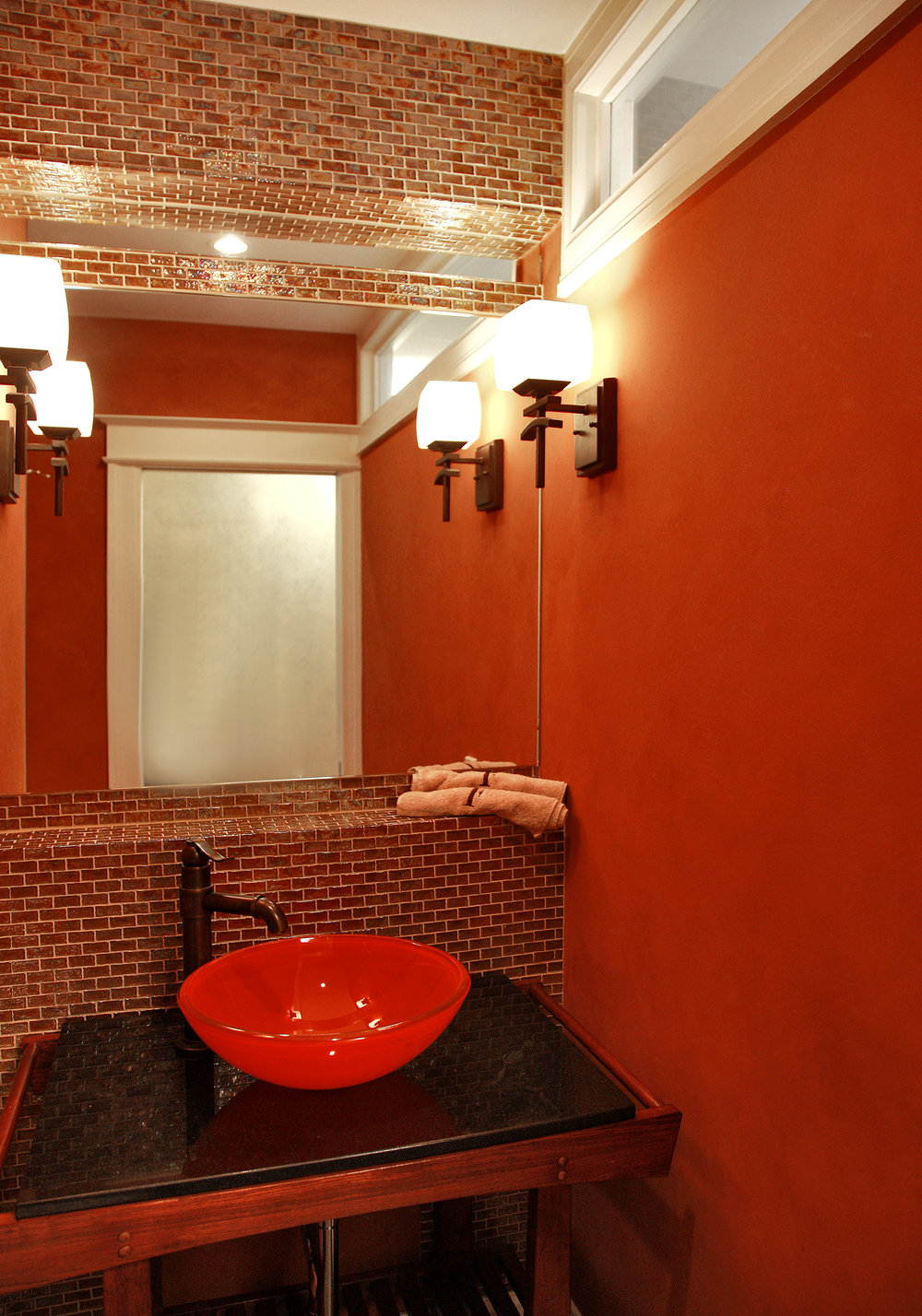 5powder room2.jpg