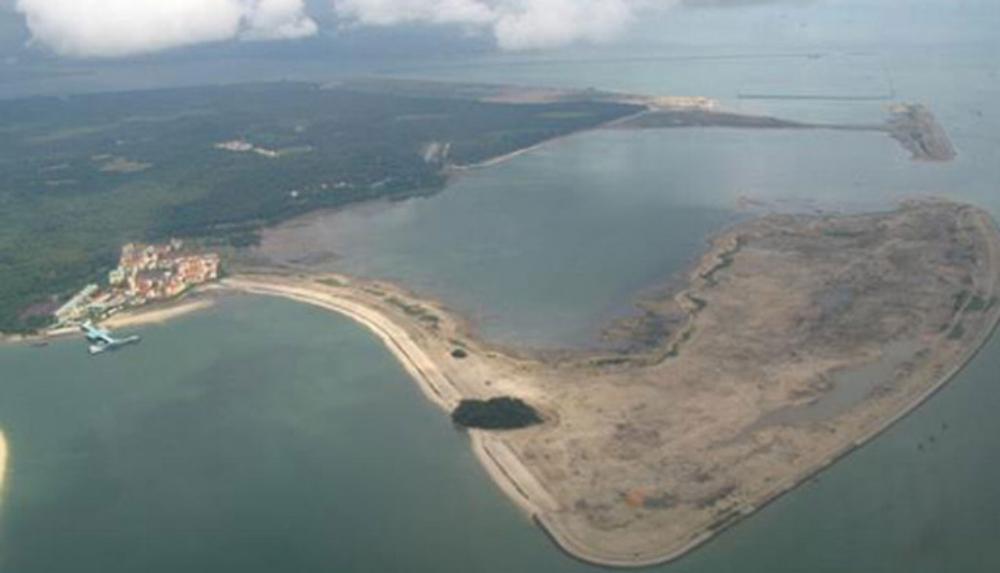 dredging-continues-at-pulau-tekong-1504270966739.jpg