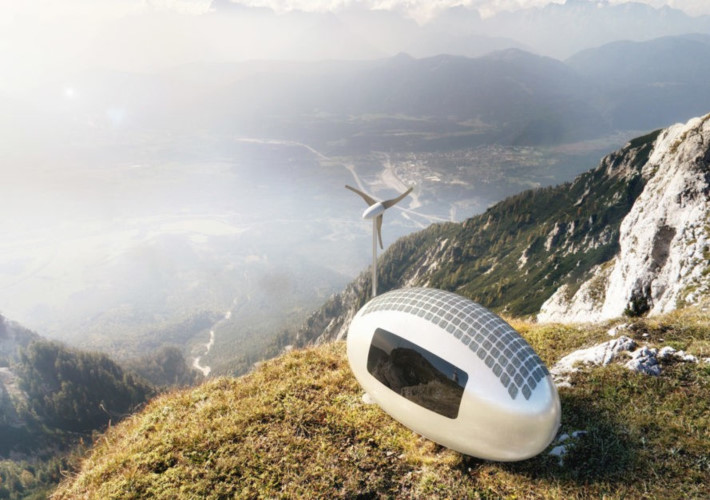 Ecocapsule: Ecocapsule hình quả trứng là mơ ước đối với những người sử dụng ngoài lưới điện. Ngôi nhà siêu di động này sử dụng năng lượng mặt trời, năng lượng gió và có bộ lọc nước mưa. Mặc dù chỉ rộng khoảng 8m2, không gian có thể chứa giường gấp, khu vực ăn uống, nhà vệ sinh, bếp nhỏ và kho chứa.