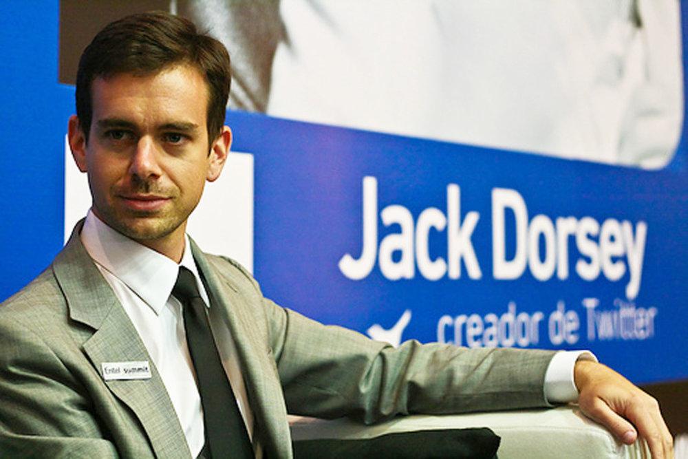 """21/03/2006 - Twitter - Nhà đồng sáng lập và hiện tại là CEO của Twitter Jack Dorsey đã trình làng trang mạng xã hội này bằng việc thông báo với thế giới rằng """"việc anh đang làm là thiết lập tài khoản twitter của mình""""."""