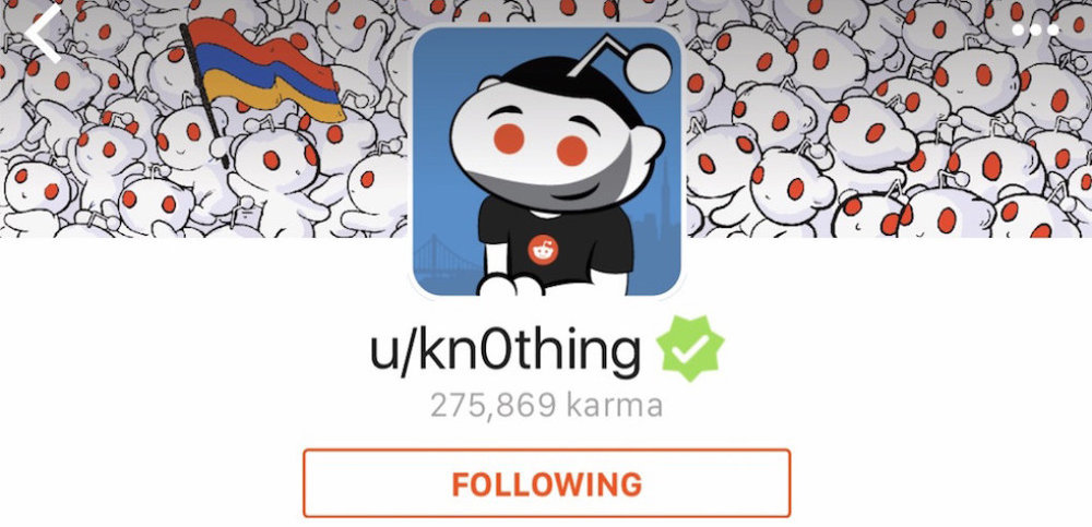 """23/06/2005 - Reddit - Nhà đồng sáng lập Alexis Ohanian đã đăng link đầu tiên trên trang mạng xã hội Reddit với tên người dùng là """"kn0thing"""". Anh vẫn tiếp tục sử dụng tên đó suốt 12 năm nay."""