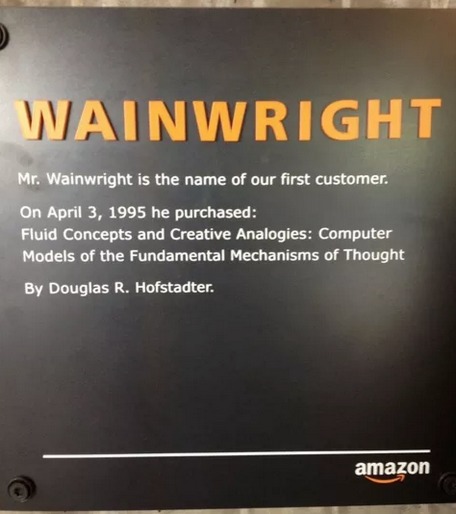 03/04/1995 - Amazon - Amazon bán được cuốn sách đầu tiên online, có giá 27.95USD. Người mua là John Wainwright, một kĩ sư phần mềm ở California. Ngày nay, có cả một tòa nhà mang tên John Wainwright trong khuôn viên trụ sở tập đoàn Amazon tại Seattle.