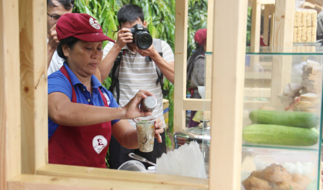 Ly súp cua chất lượng, ngon lành với giá 15.000 đồng ẢNH: AN HUY