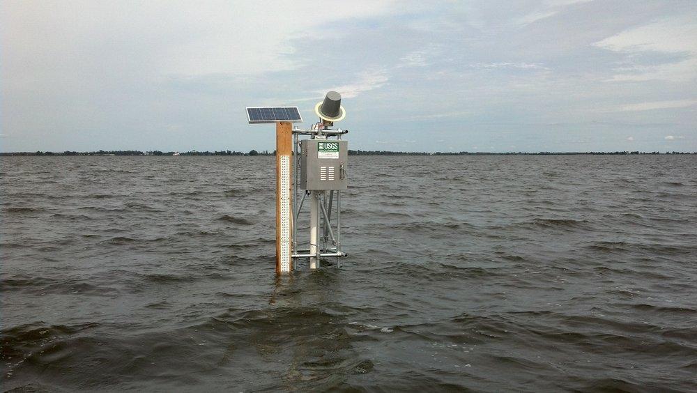 - Sử dụng cảm biến để theo dõi tình hình rò rỉ nước sạch nhằm chống thất thoát nước cấp cho thành phố.