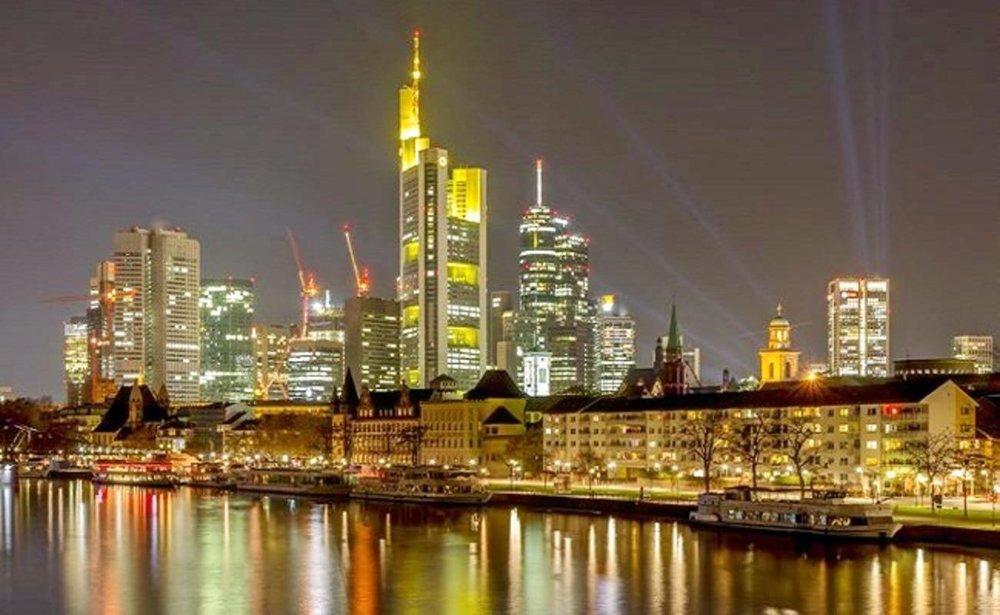 - Tại Đức có những chương trình qui mô quốc gia về thành phố thông minh, với nhiều cuộc thi tìm sáng kiến và giải pháp cho Smart City nhằm đạt hiệu quả cao nhất.
