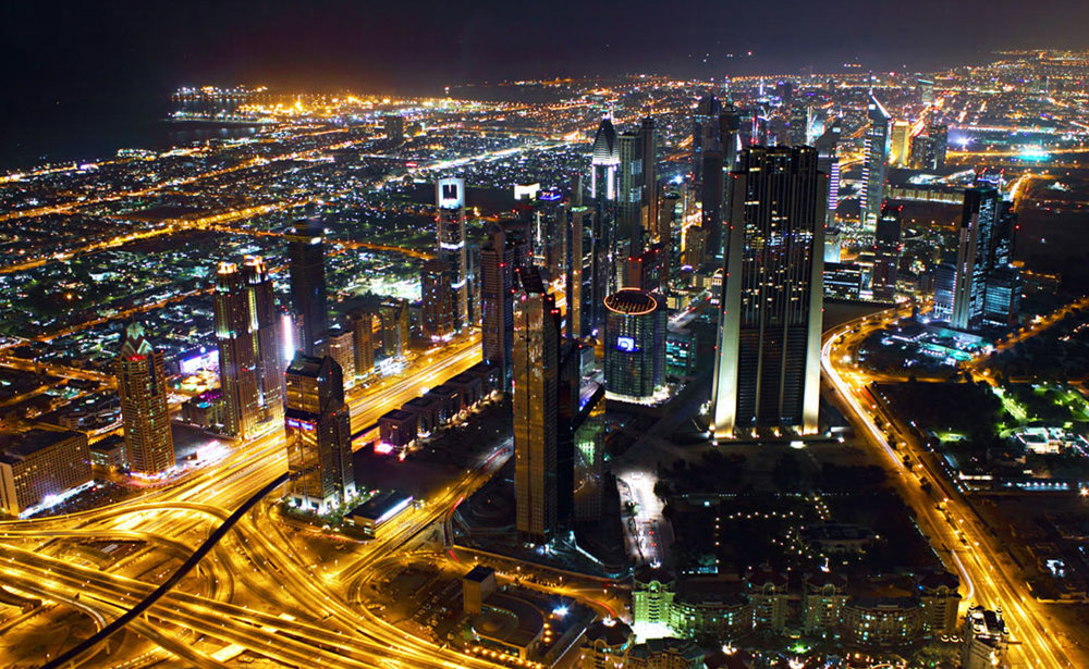 - Tại Ấn Độ, chính phủ đặt tham vọng đạt con số 100 Smart City qua việc hiện đại hóa các đô thị qui mô cỡ trung và lớn ở thời điểm hiện tại.